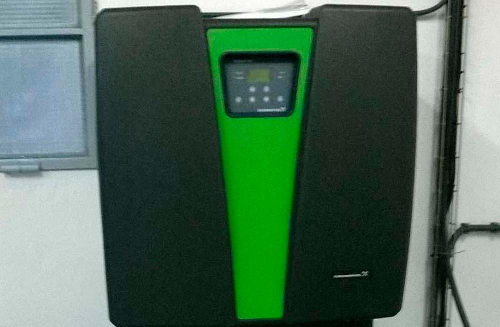 Suministro y montaje de un generador de dióxido de cloro de 60 g/h para el tratamiento en pre y post-desinfección en el depósito de Lluçà.